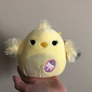 """NWT 5"""" Aimee the Chick Squishmallow"""